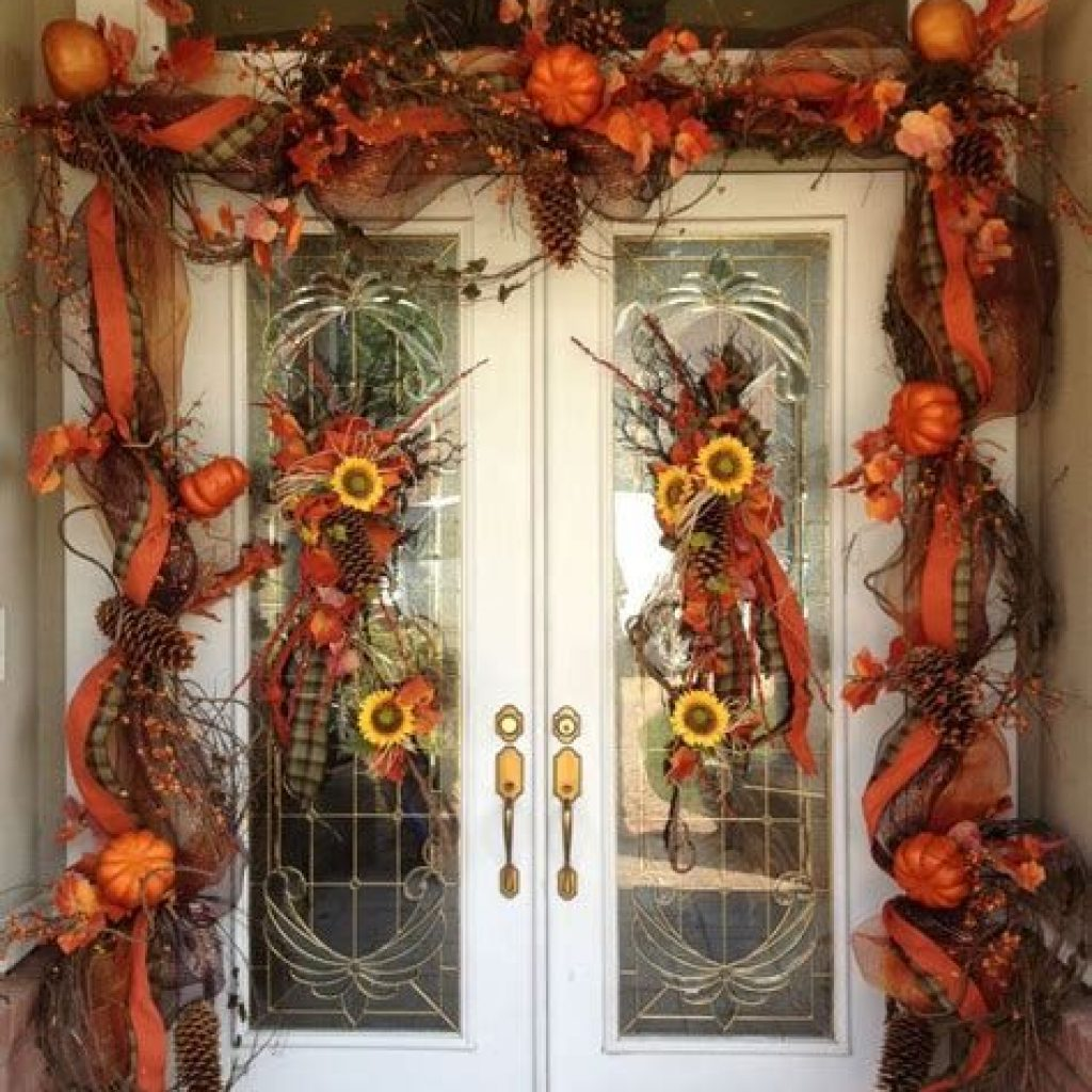 Creative Fall Front Door Decor Ideas To Be Inspired 02