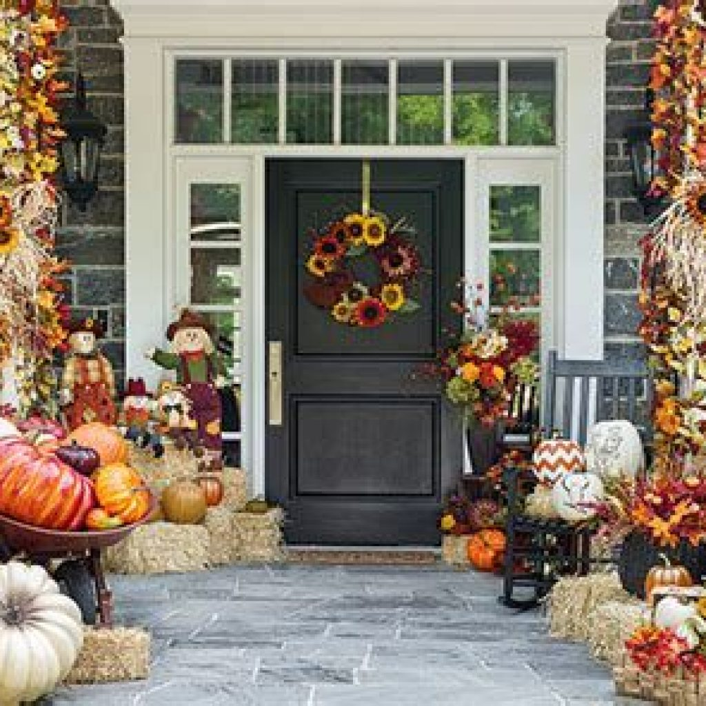 Creative Fall Front Door Decor Ideas To Be Inspired 03