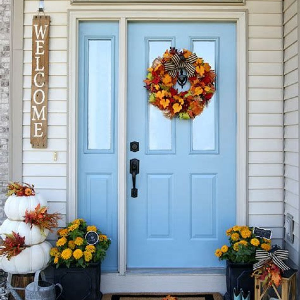 Creative Fall Front Door Decor Ideas To Be Inspired 10