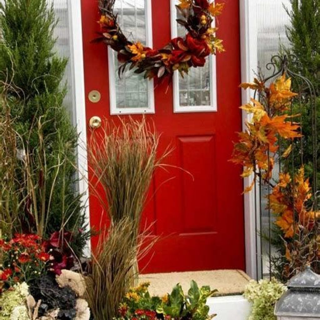 Creative Fall Front Door Decor Ideas To Be Inspired 11
