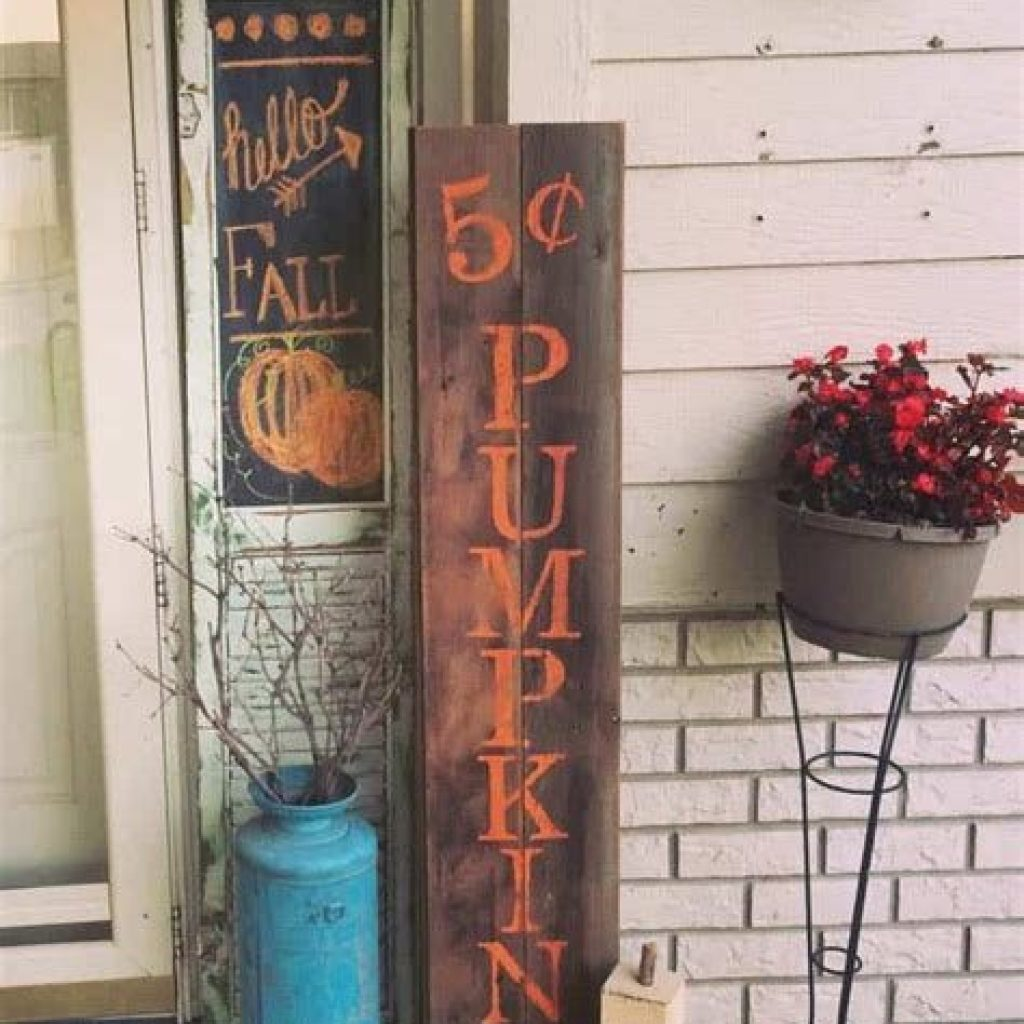 Creative Fall Front Door Decor Ideas To Be Inspired 16