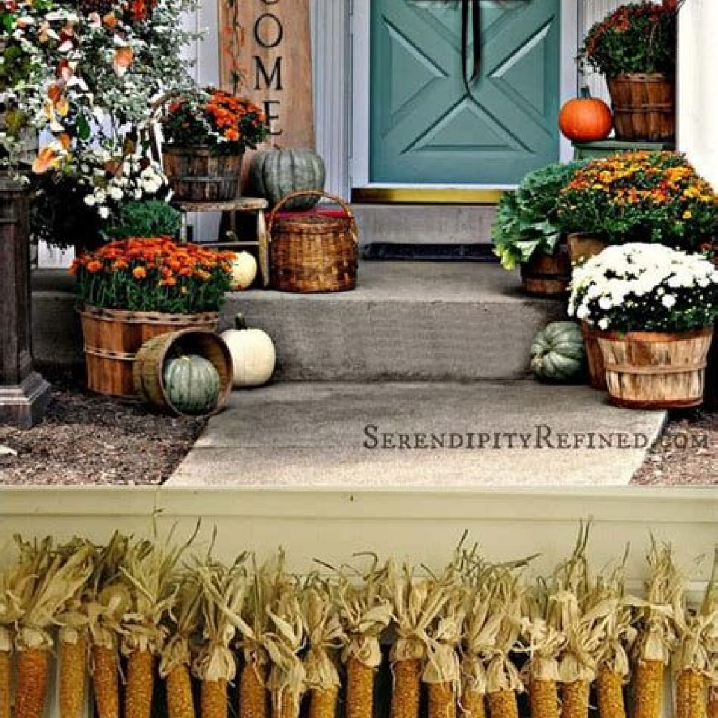 Creative Fall Front Door Decor Ideas To Be Inspired 17