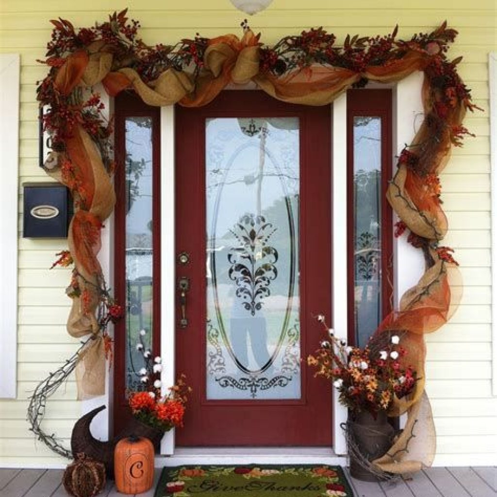 Creative Fall Front Door Decor Ideas To Be Inspired 20