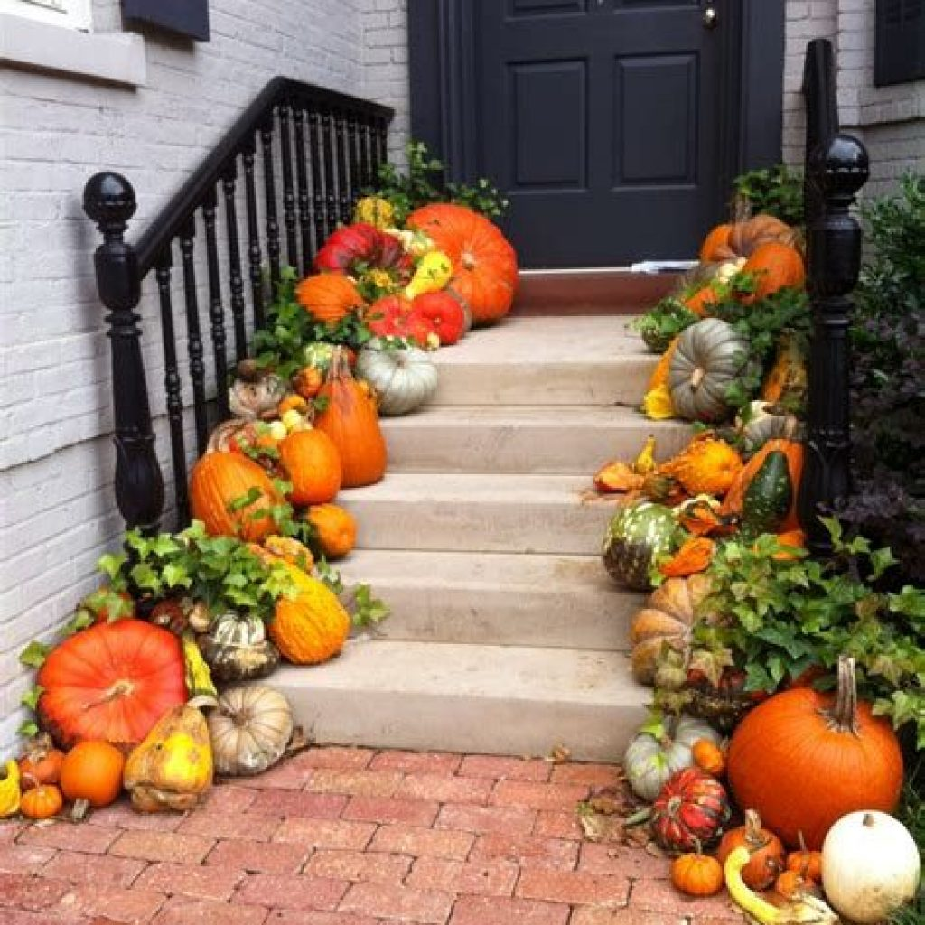 Creative Fall Front Door Decor Ideas To Be Inspired 22