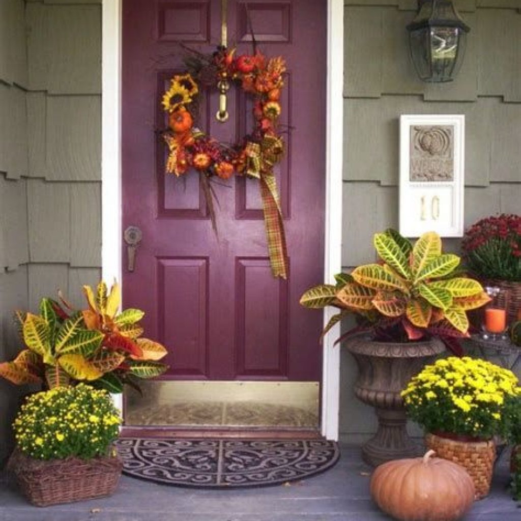 Creative Fall Front Door Decor Ideas To Be Inspired 31