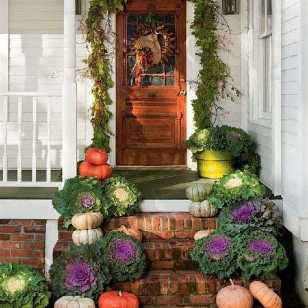 Creative Fall Front Door Decor Ideas To Be Inspired 37