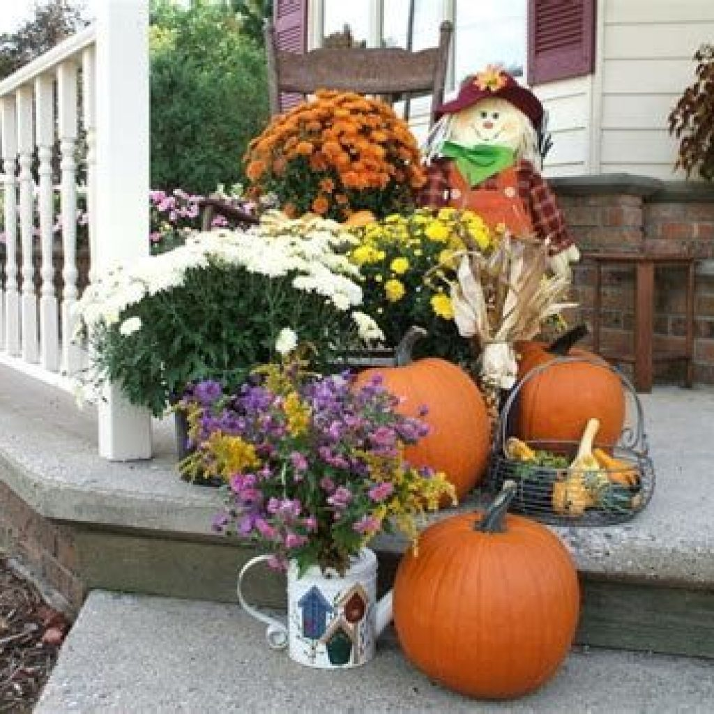Easy And Creative Fall Decoration For Your Backyard 02