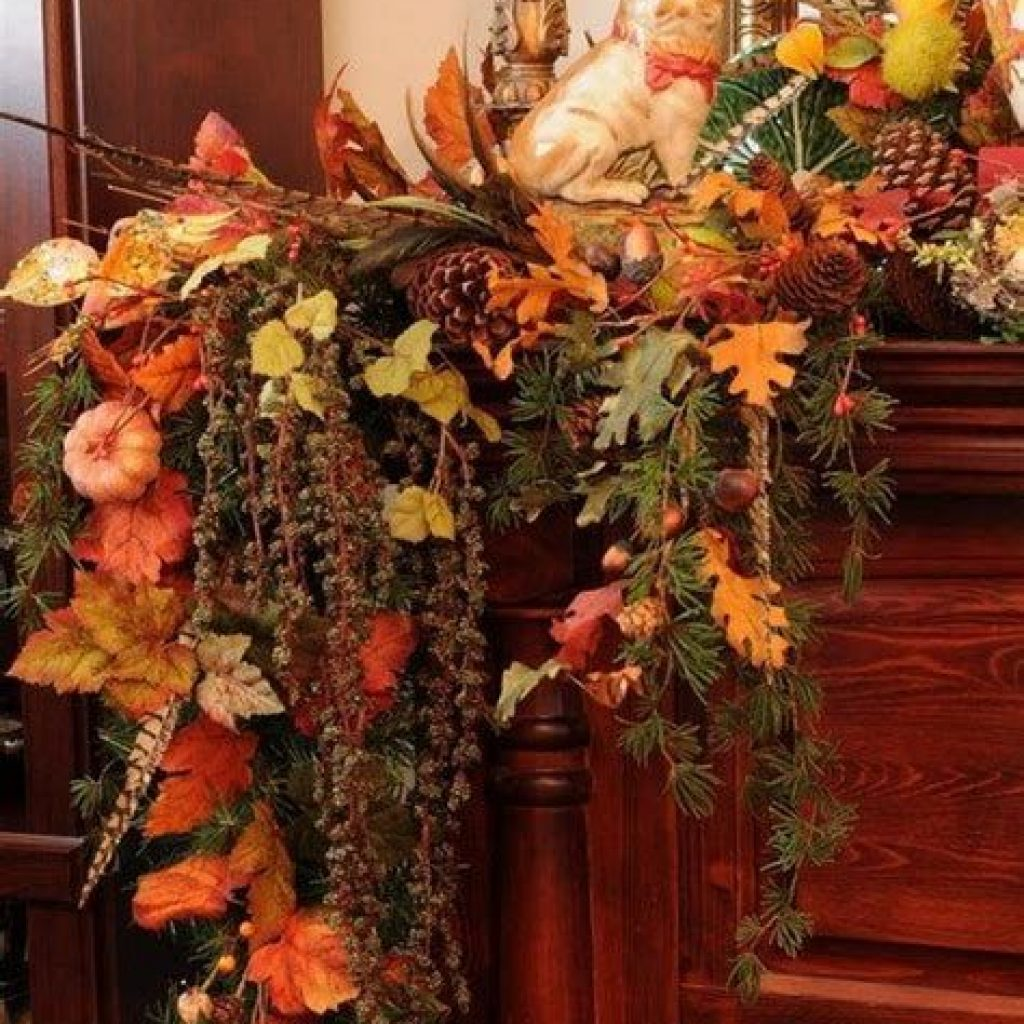 Easy And Creative Fall Decoration For Your Backyard 03