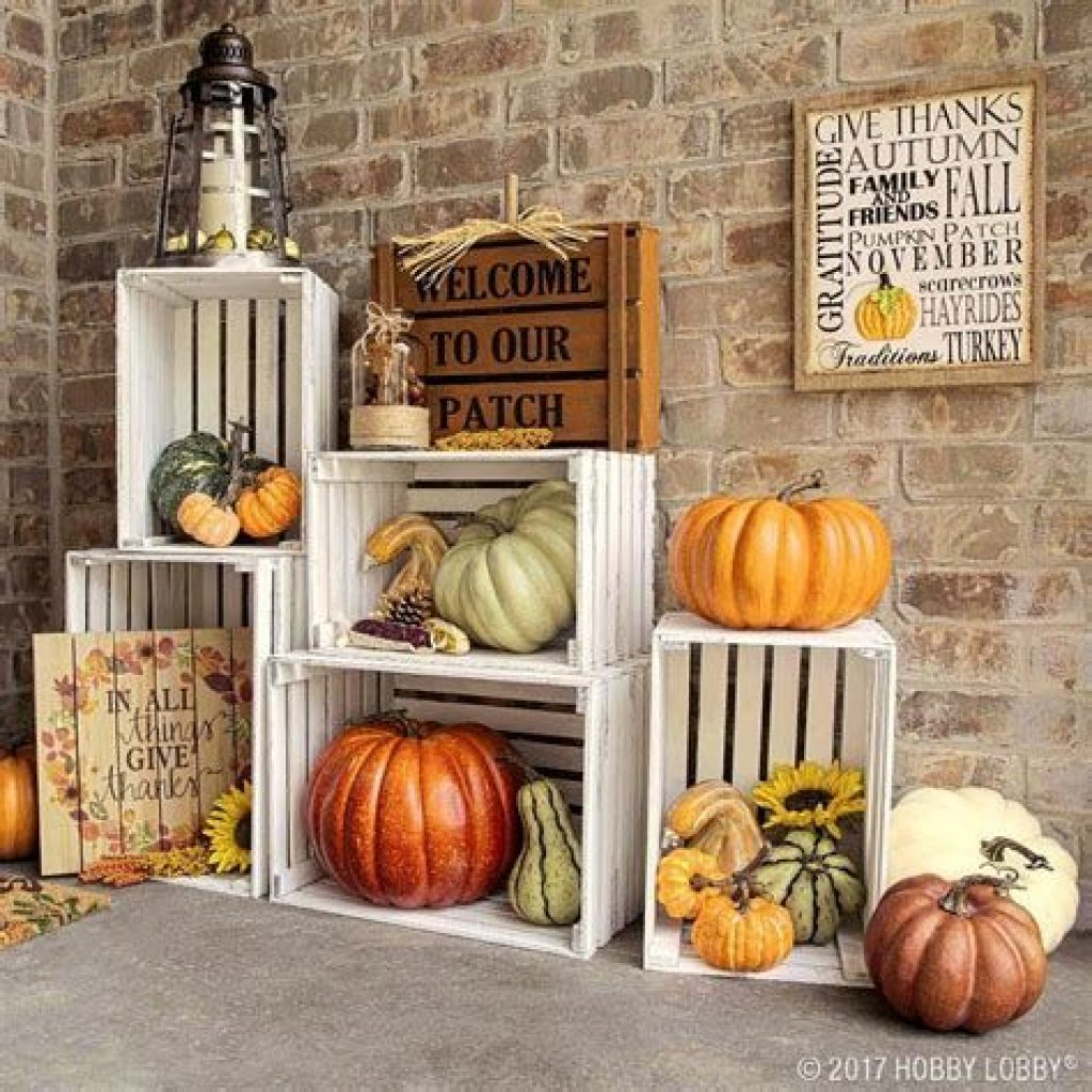Easy And Creative Fall Decoration For Your Backyard 20