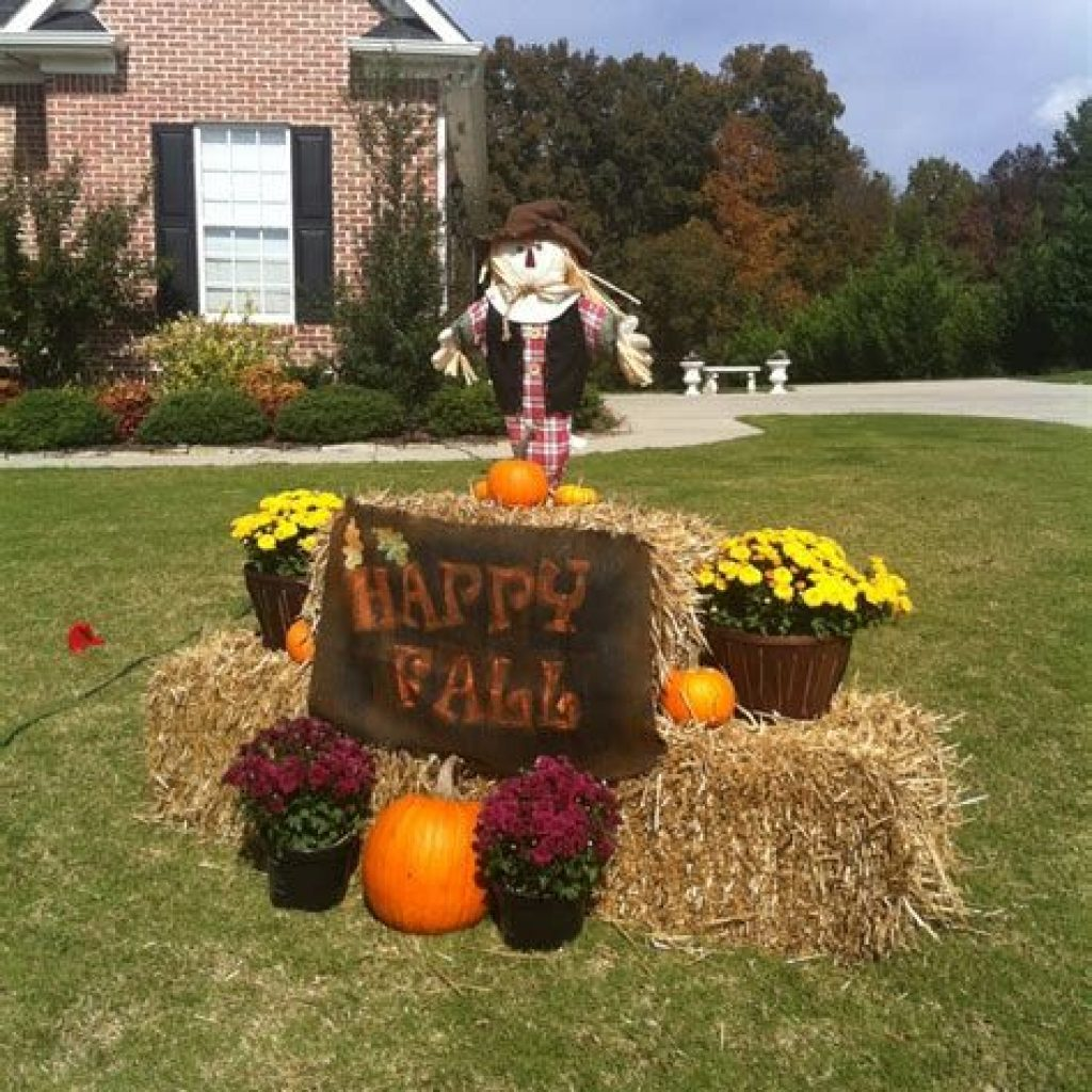 Easy And Creative Fall Decoration For Your Backyard 35