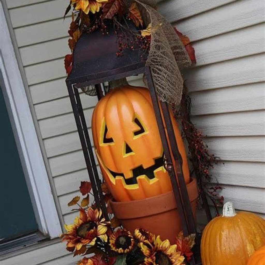Easy Outdoor Fall Decoration To Inspire Yourself 05