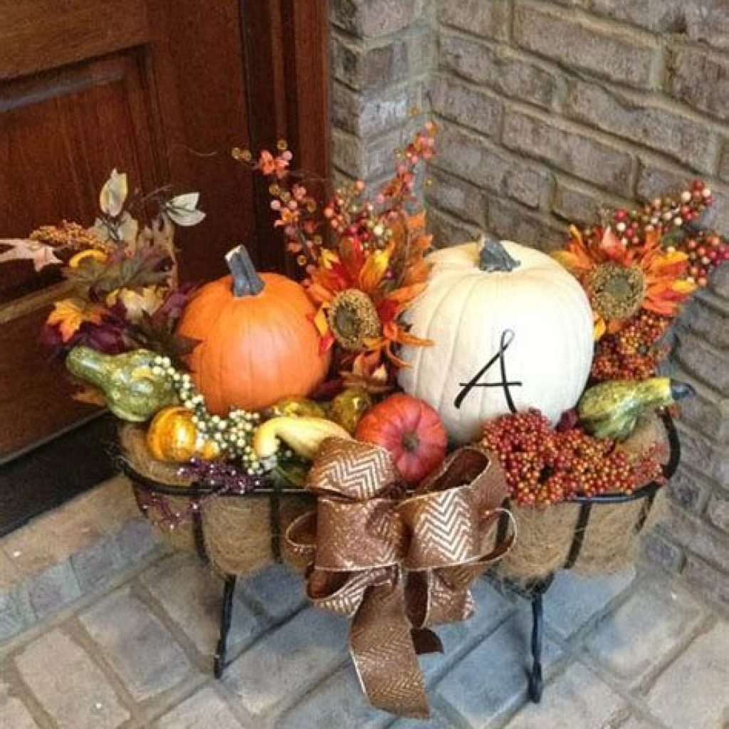 Easy Outdoor Fall Decoration To Inspire Yourself 06