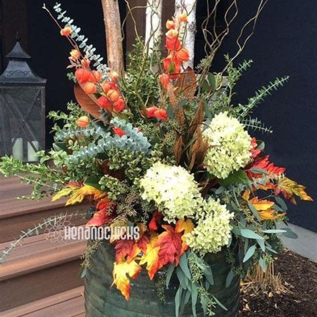 Easy Outdoor Fall Decoration To Inspire Yourself 14