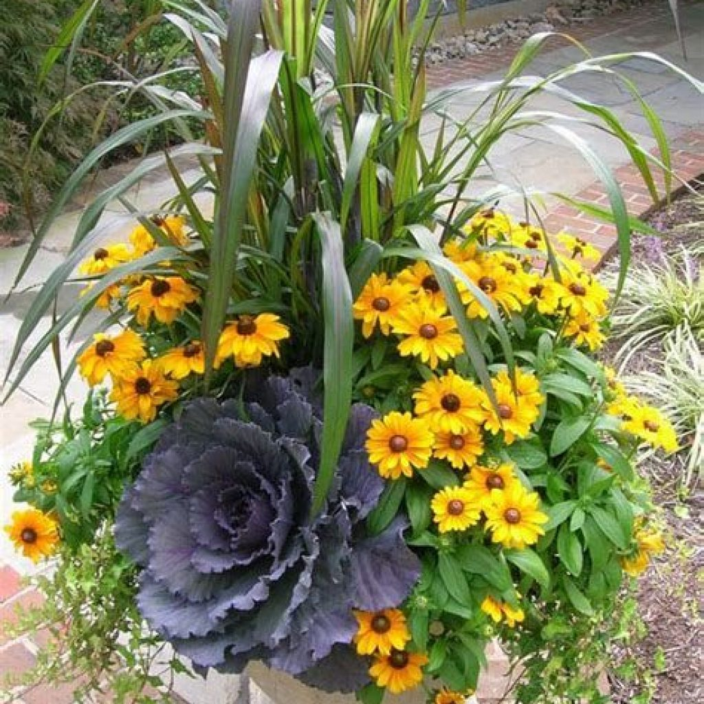 Easy Outdoor Fall Decoration To Inspire Yourself 38