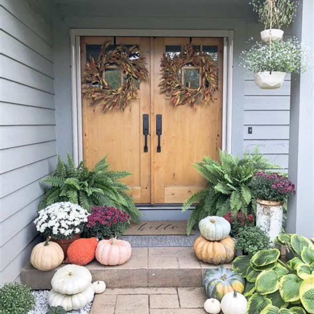 Fabulous Fall Decoration For Your Front Terrace 02