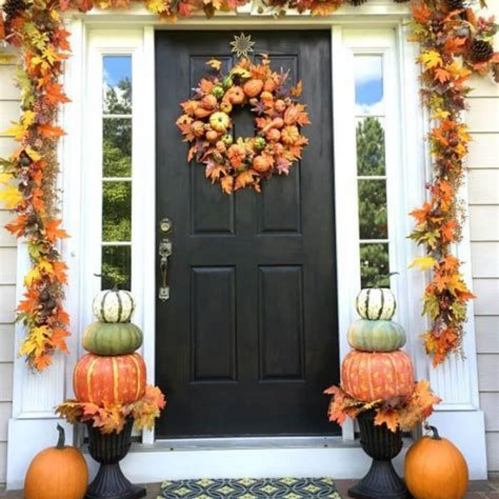 Fabulous Fall Decoration For Your Front Terrace 17