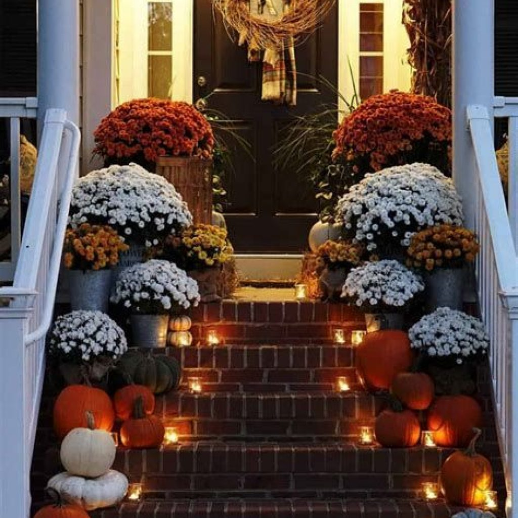 Fabulous Fall Decoration For Your Front Terrace 19