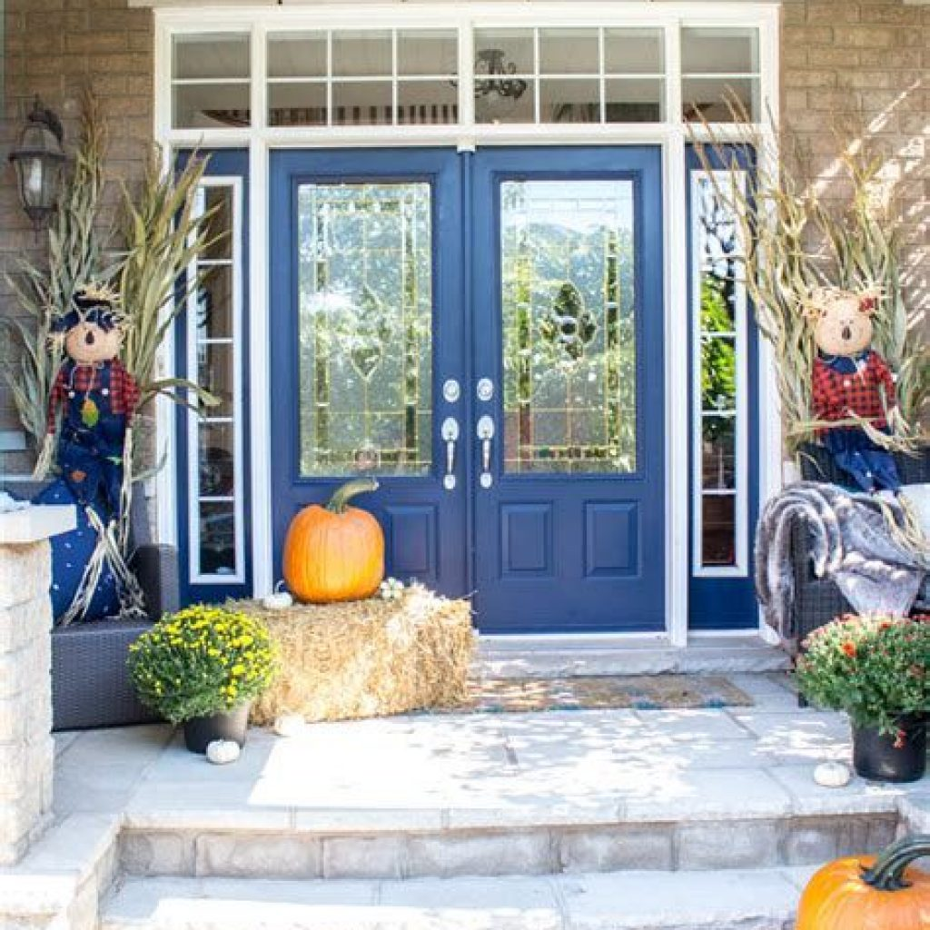 Fabulous Fall Decoration For Your Front Terrace 20