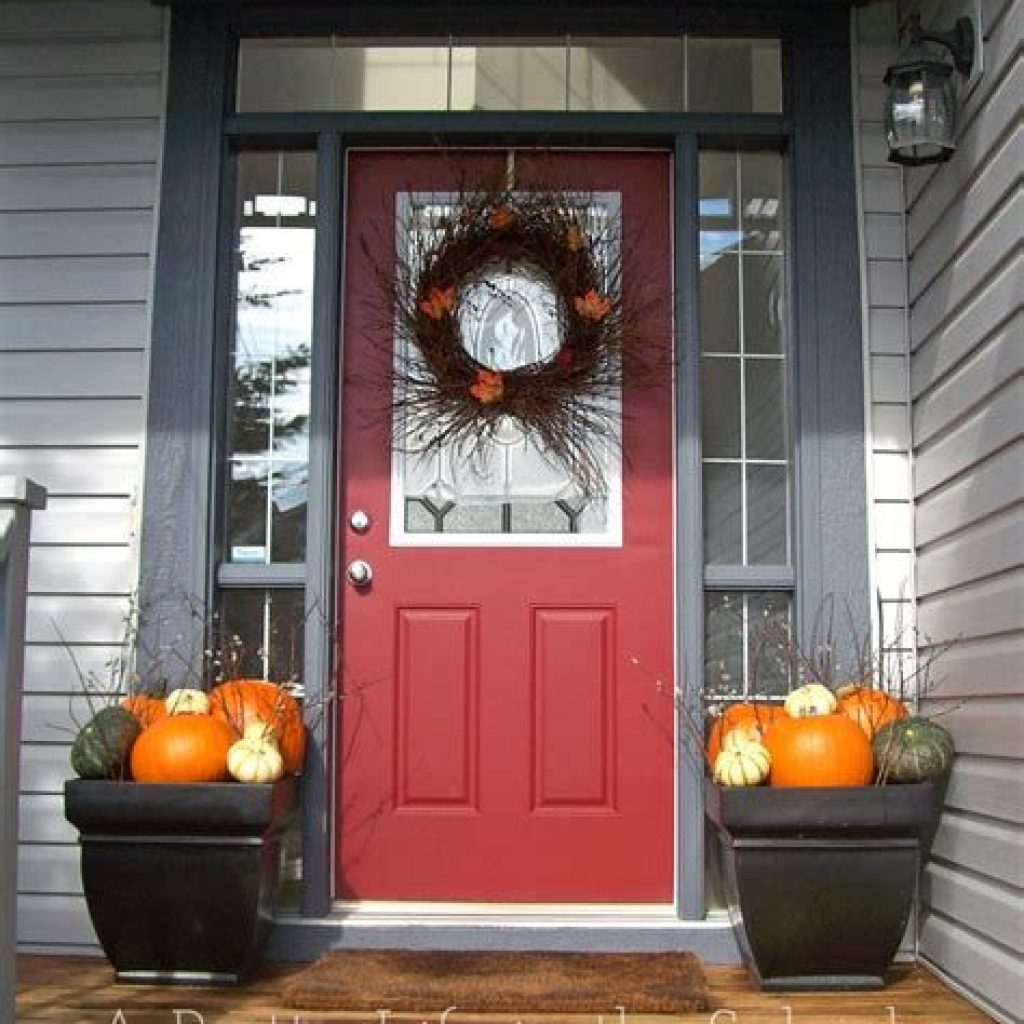 Fabulous Fall Decoration For Your Front Terrace 32