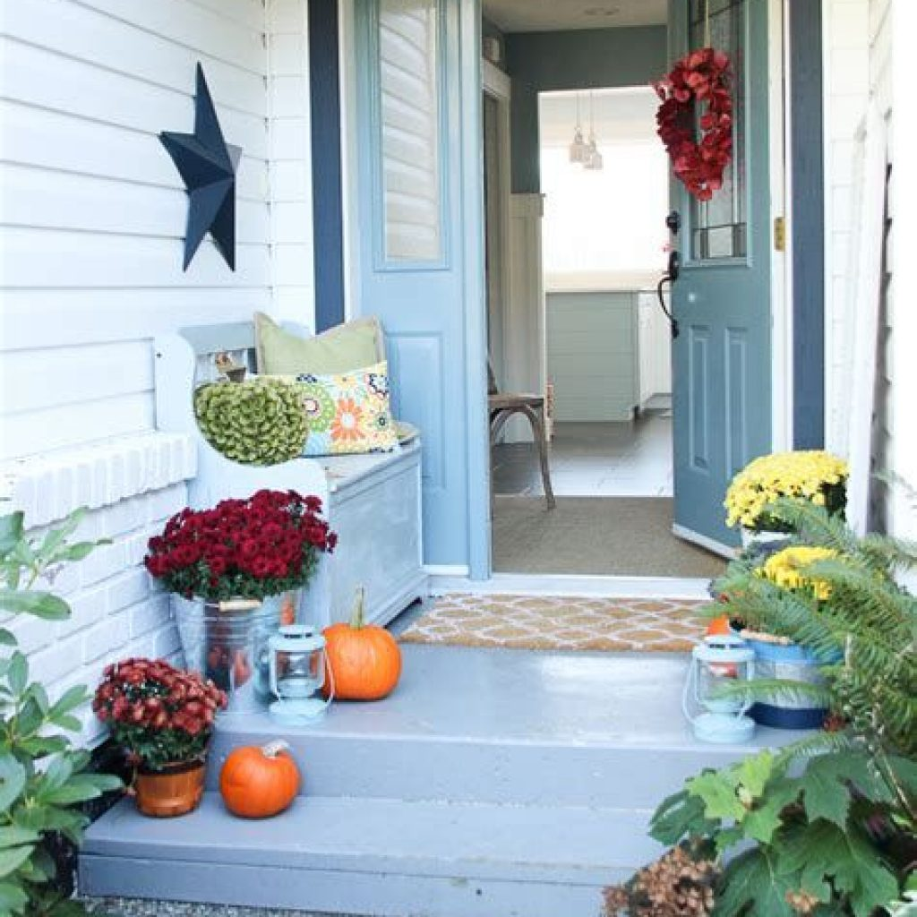 Fabulous Fall Decoration For Your Front Terrace 39