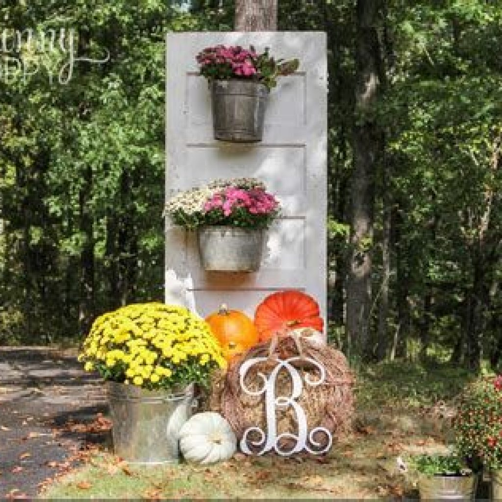 Fantastic Backyard Decoration For Fall This Year 05