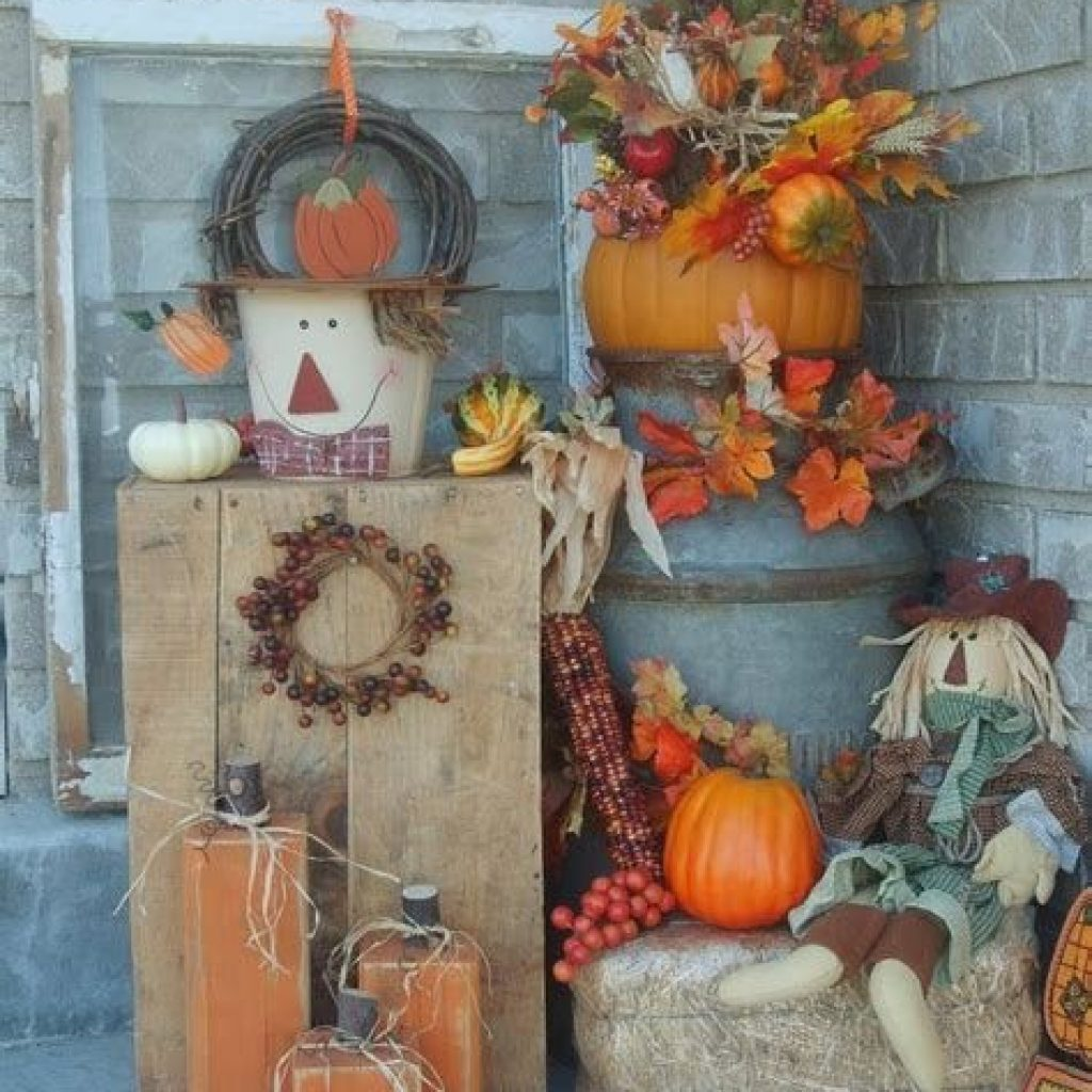 Fantastic Backyard Decoration For Fall This Year 07