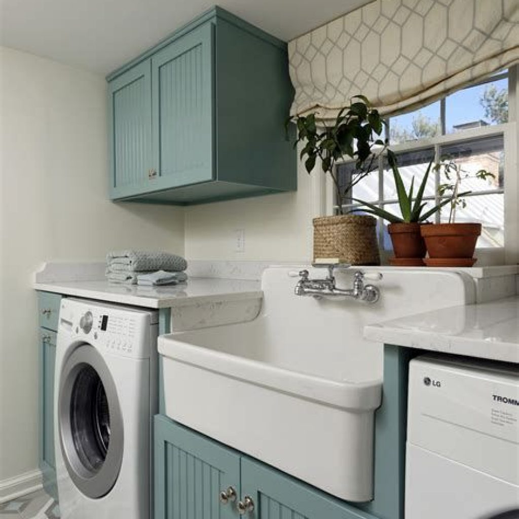 Fresh Minimalist Laundry Room For Small Space 01