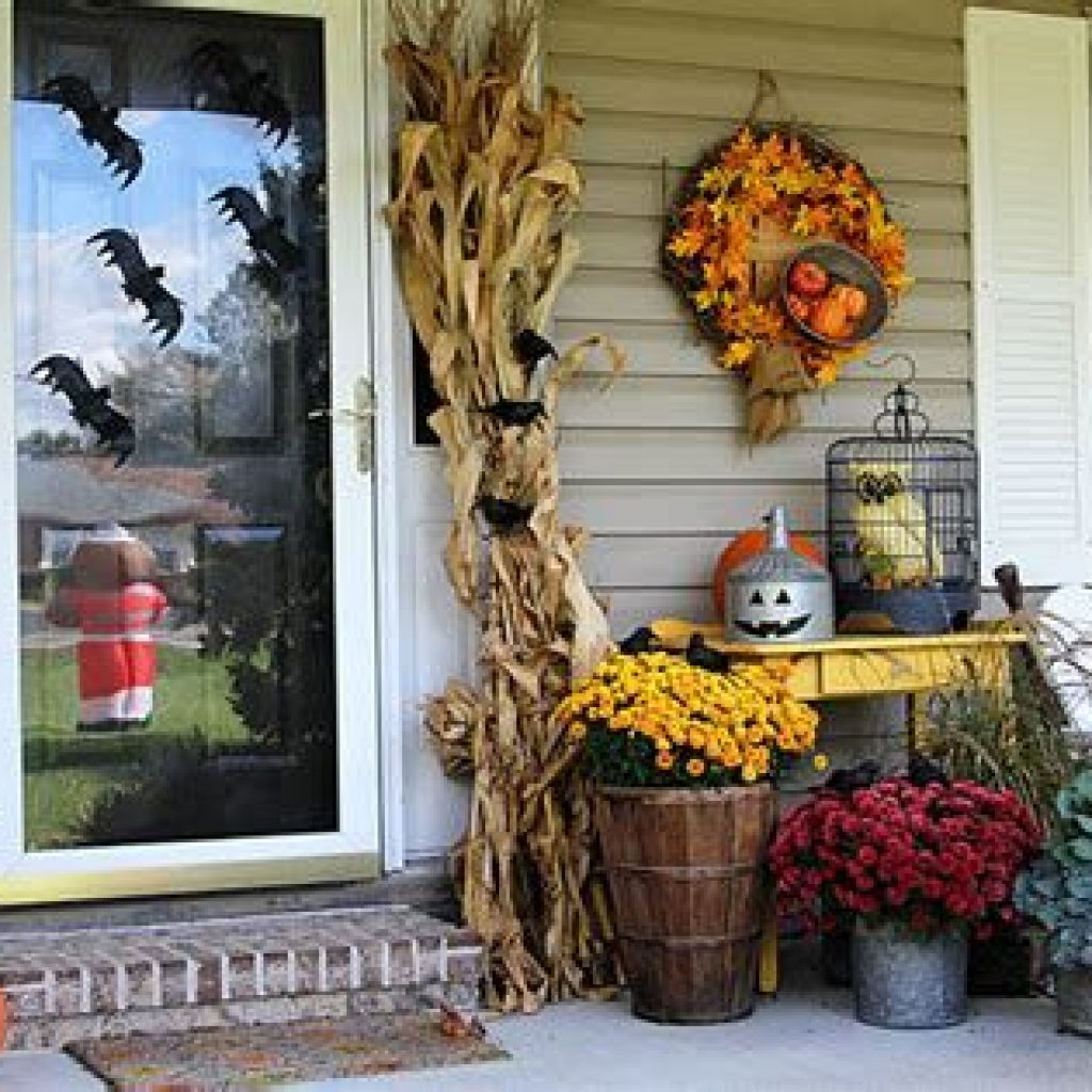 Incredible Fall Decoration For Your Front Yard On Budget 06