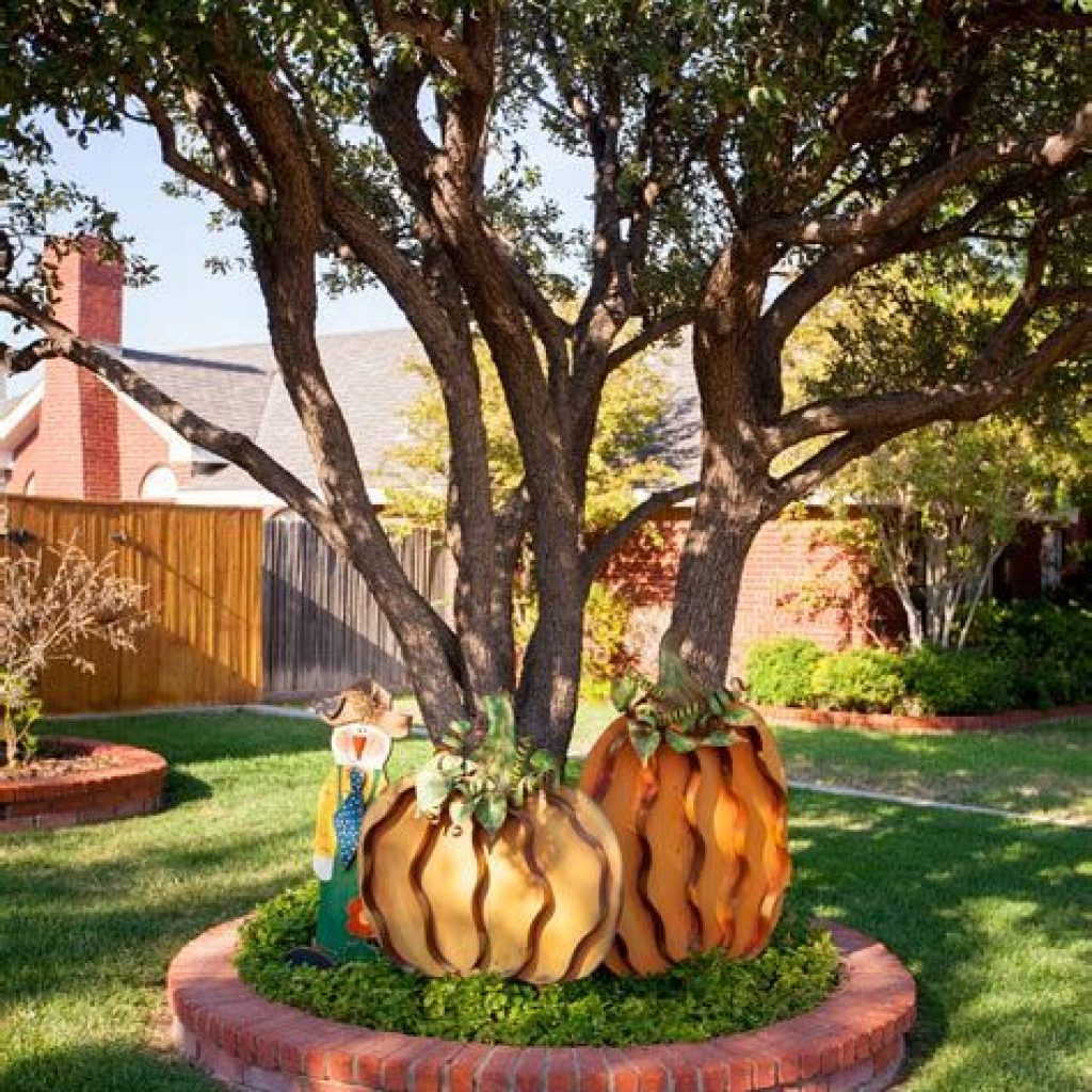 Incredible Fall Decoration For Your Front Yard On Budget 13