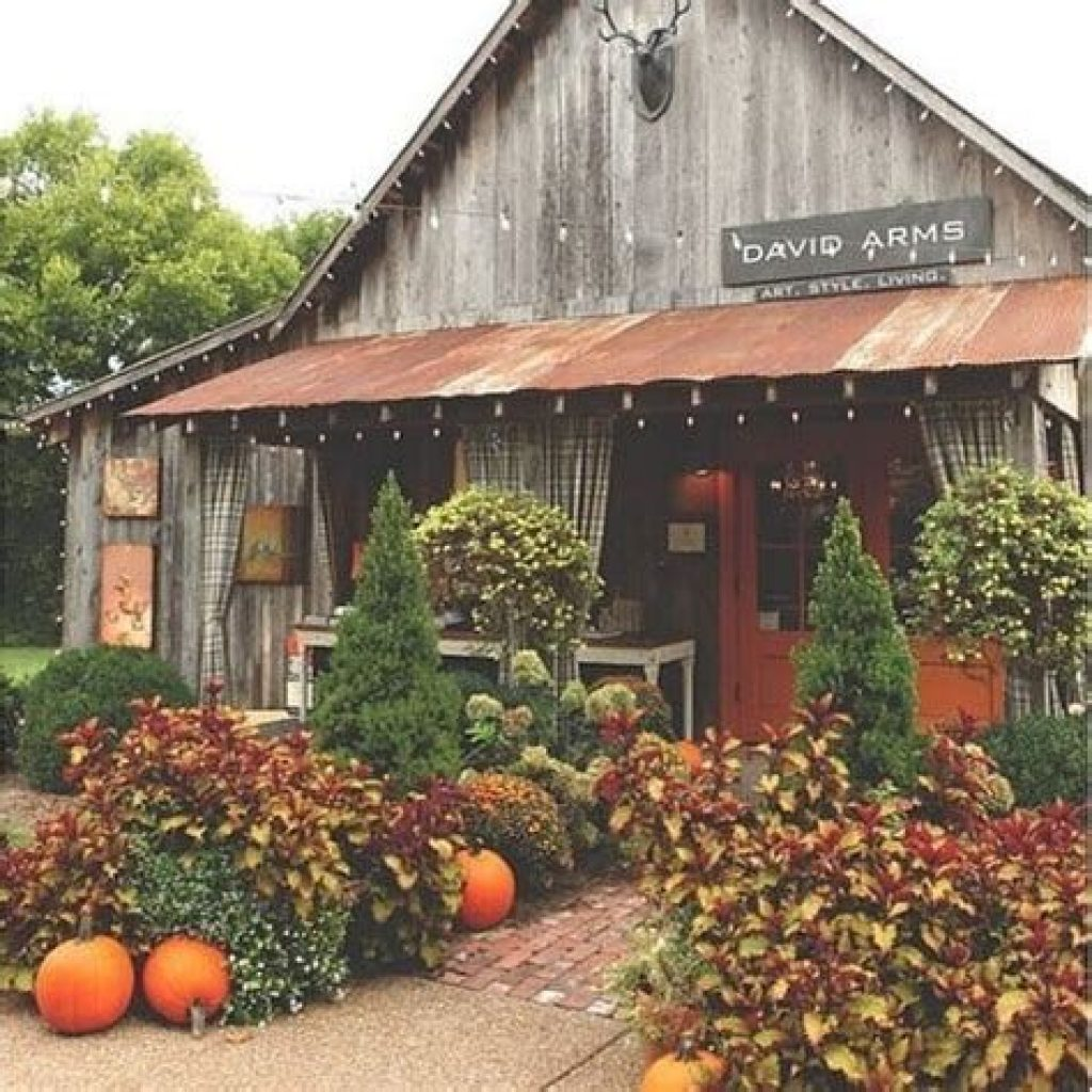 Incredible Fall Decoration For Your Front Yard On Budget 14