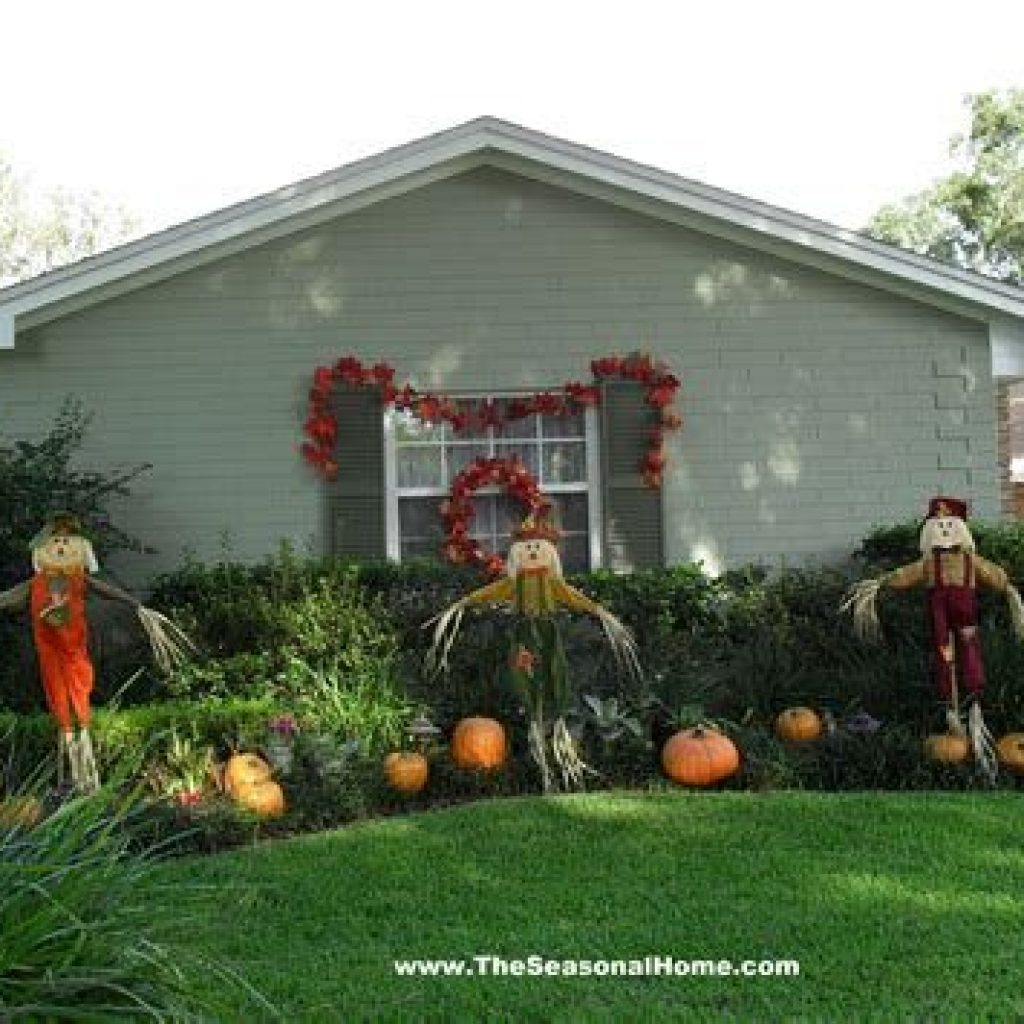 Incredible Fall Decoration For Your Front Yard On Budget 38