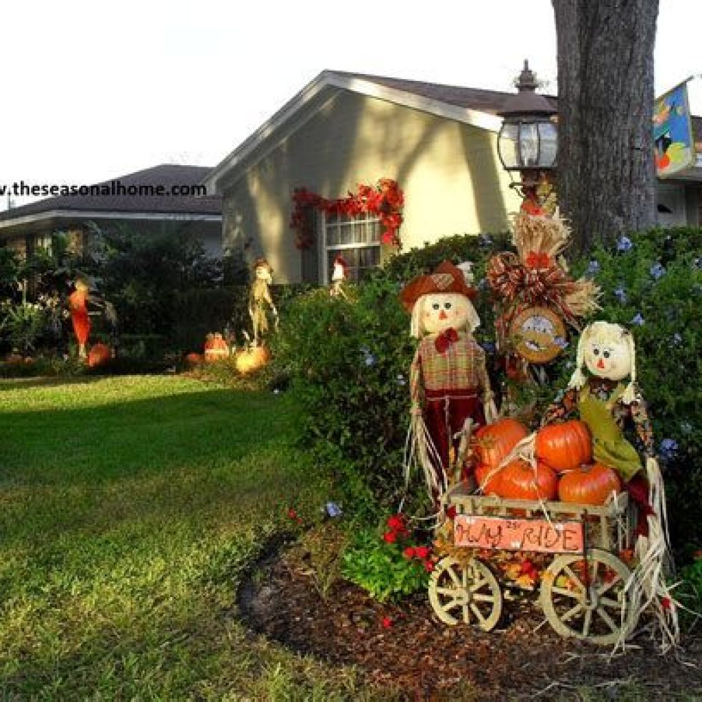 Incredible Fall Decoration For Your Front Yard On Budget 39