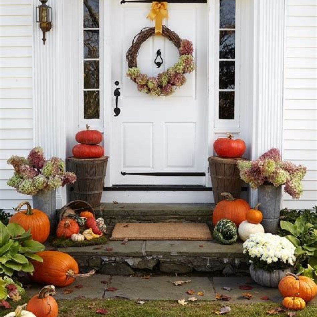 Incredible Fall Decoration For Your Front Yard On Budget 40