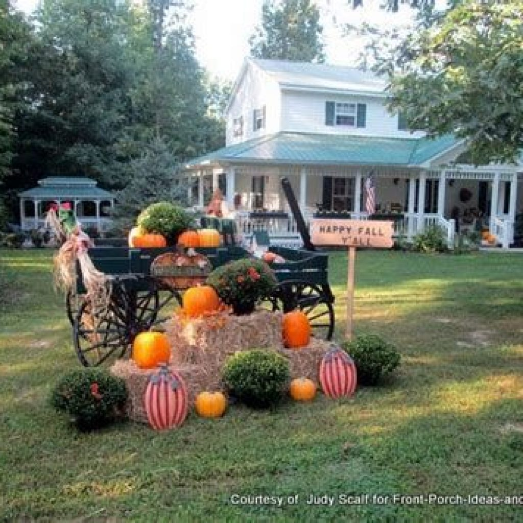 Simple But Beautiful Fall Decoration In The Front Yard 17