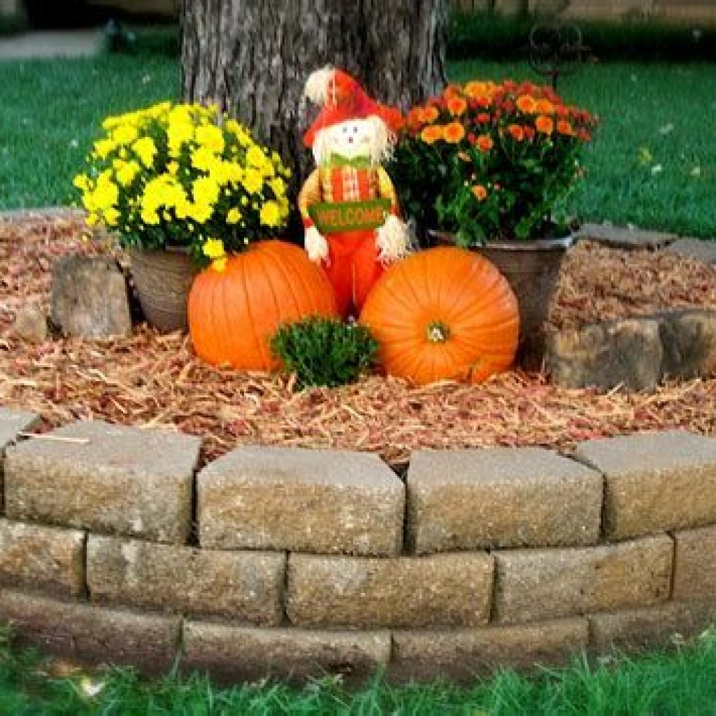 Simple But Beautiful Fall Decoration In The Front Yard 20