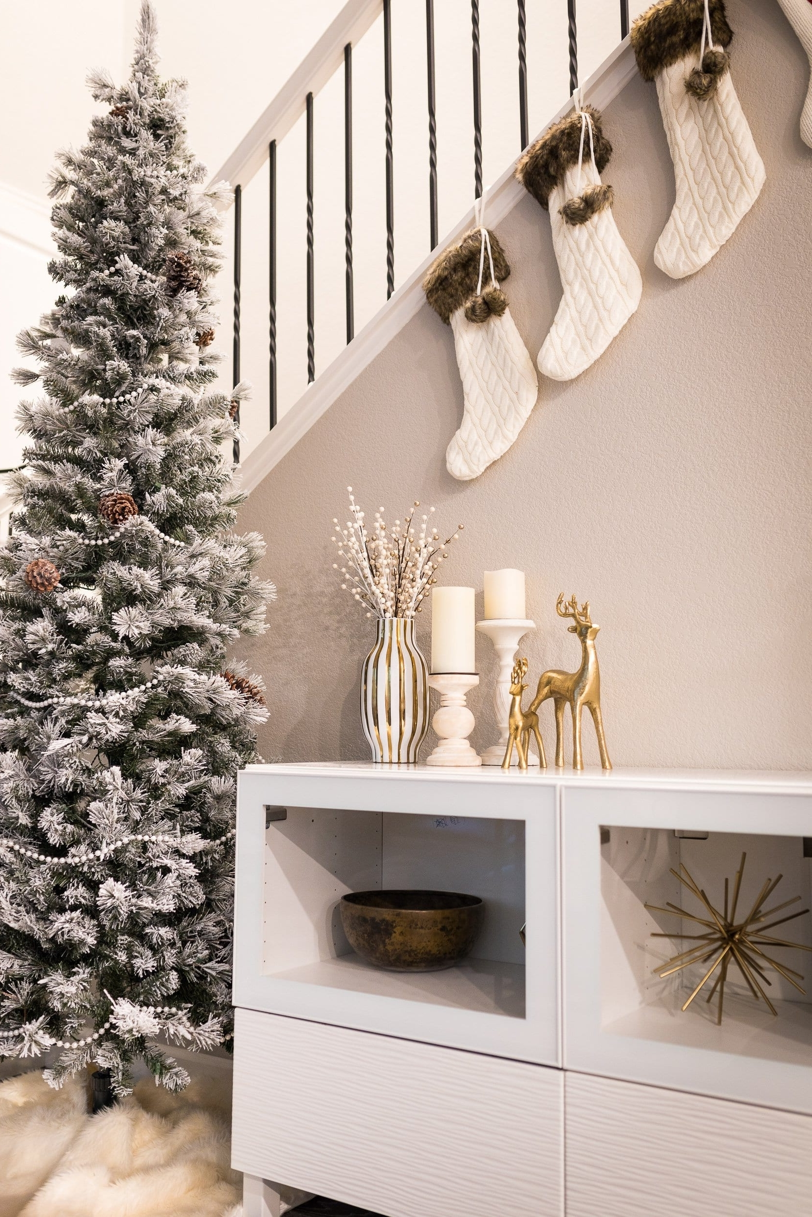18 Affordable Chic White Christmas Decor Ideas To Turn