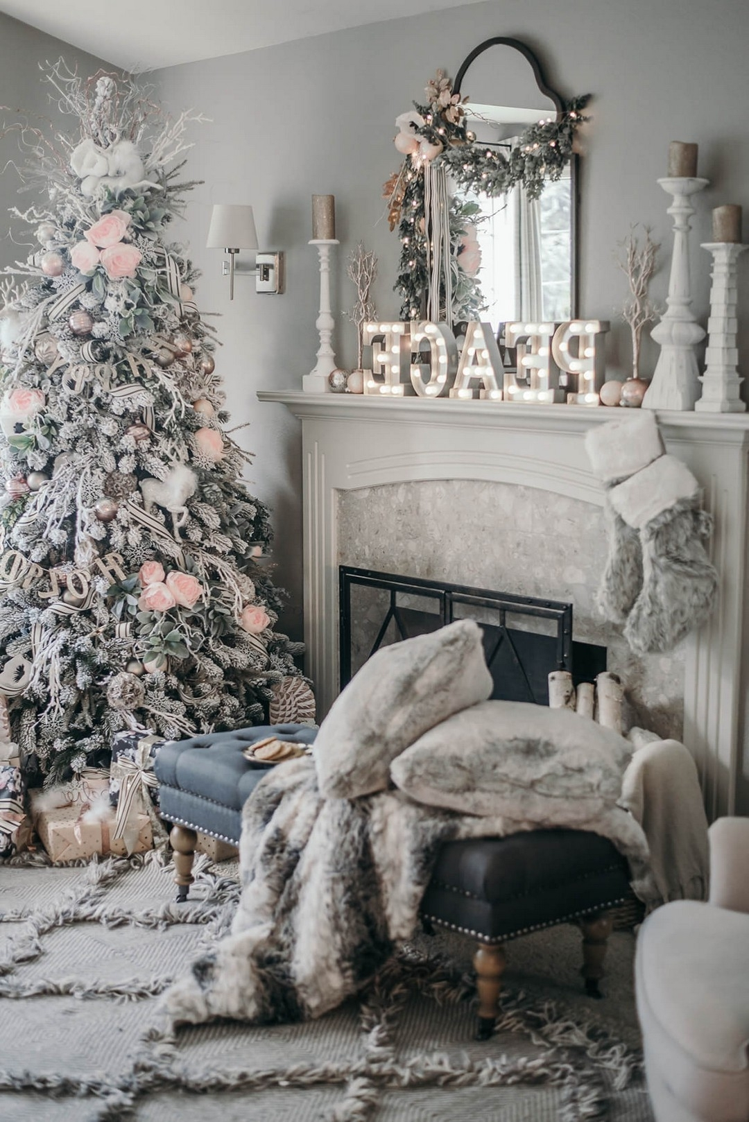 20 32 Christmas Living Room Decor Ideas Fashioning Your Own
