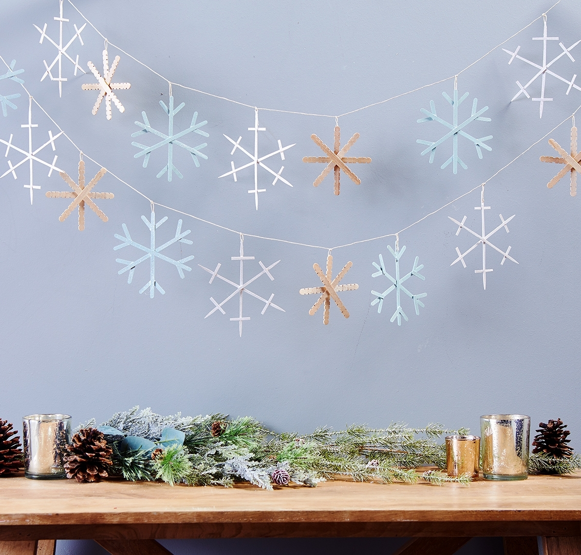 26 Cheap Winter Party Decorations That Take No Skill At All