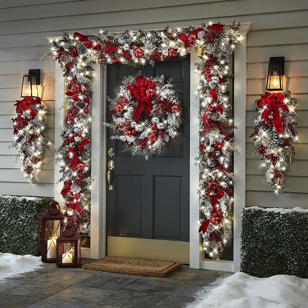 27 Fabulous Outdoor Christmas Decorations For A Winter