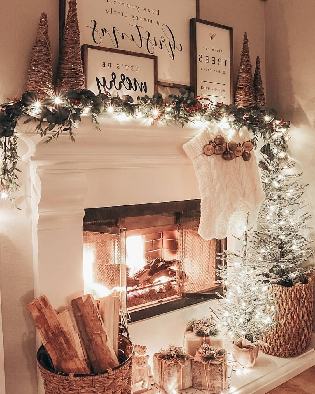 36 Winter Wonderland Ideas For Best Mantel Design
