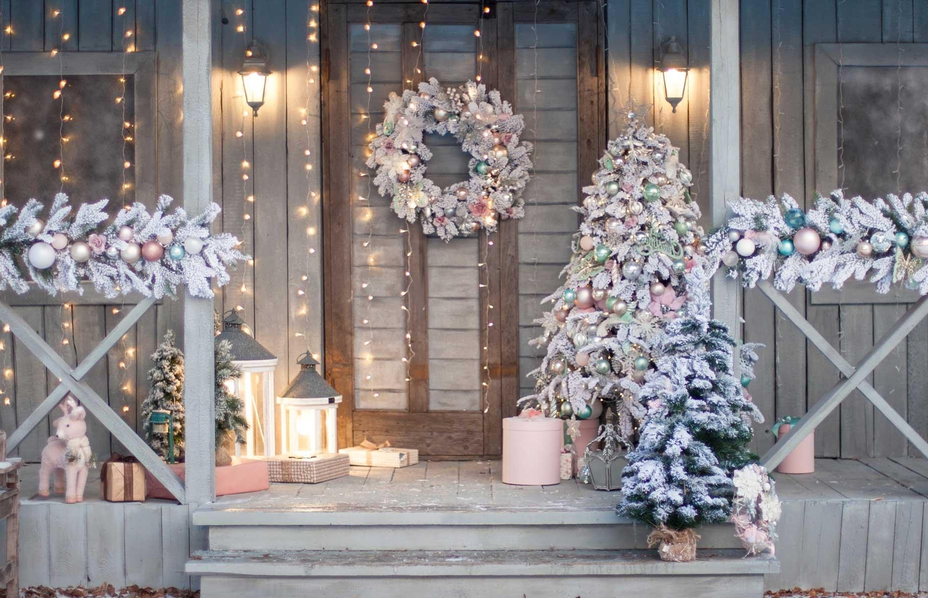 Outdoor Christmas Decorating Ideas Loveproperty