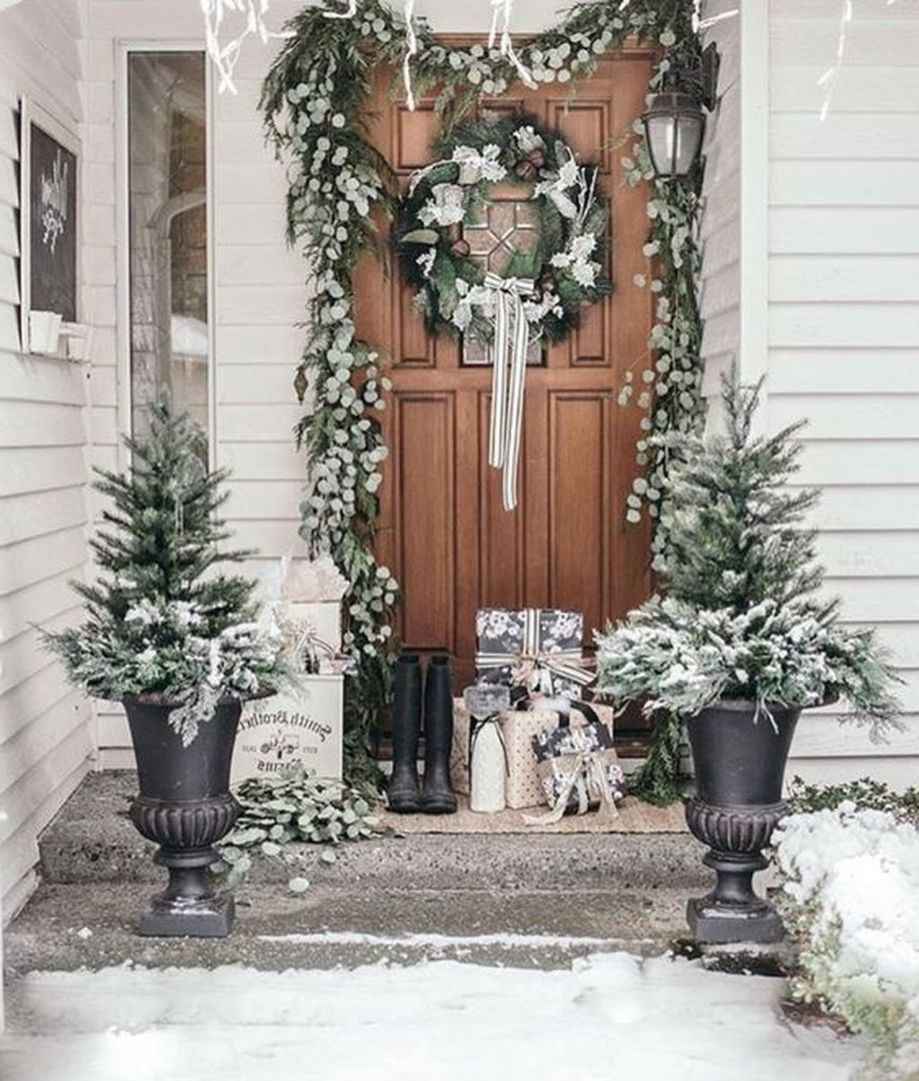 Outdoor Winter Accessories Help To Build A Festive
