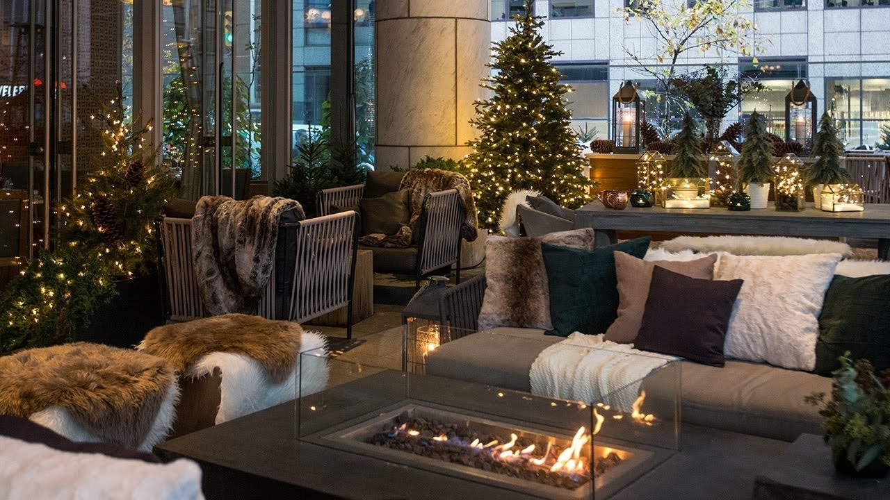 Outdoor Winter Decorating Ideas See A Cozy Holiday Patio Makeover