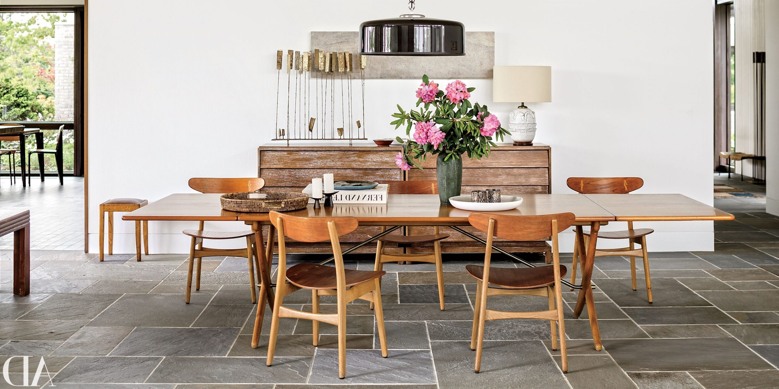 10 Midcentury Modern Dining Rooms   Architectural Digest Mid Century Modern Teak Dining Room Table