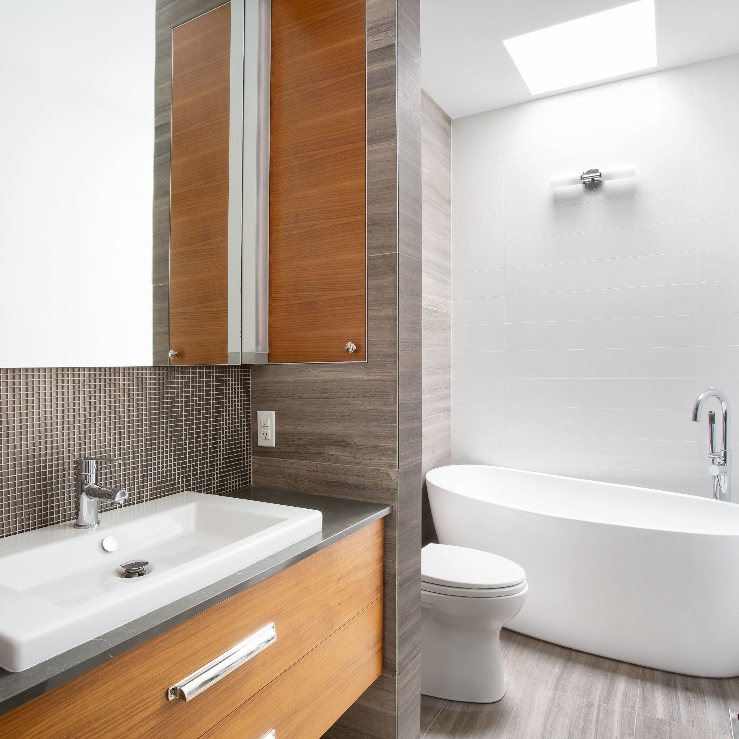 11 Amazing Before And After Bathroom Remodels 40+ 50S Bathroom Remodel Inspirations