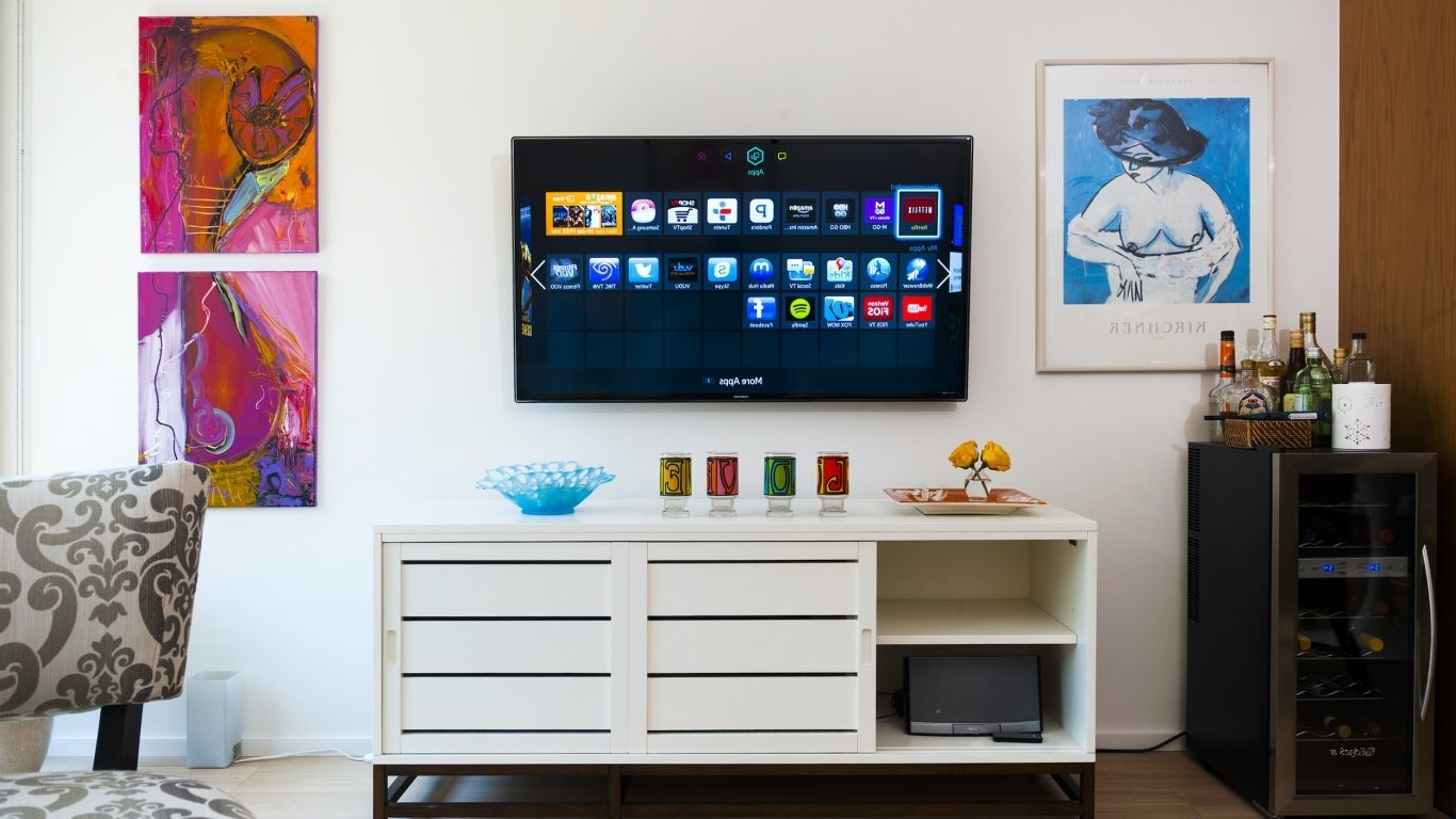 21 Day Lockdown: Start A New Project At Home, Like Setting Small Living Room With Minibar