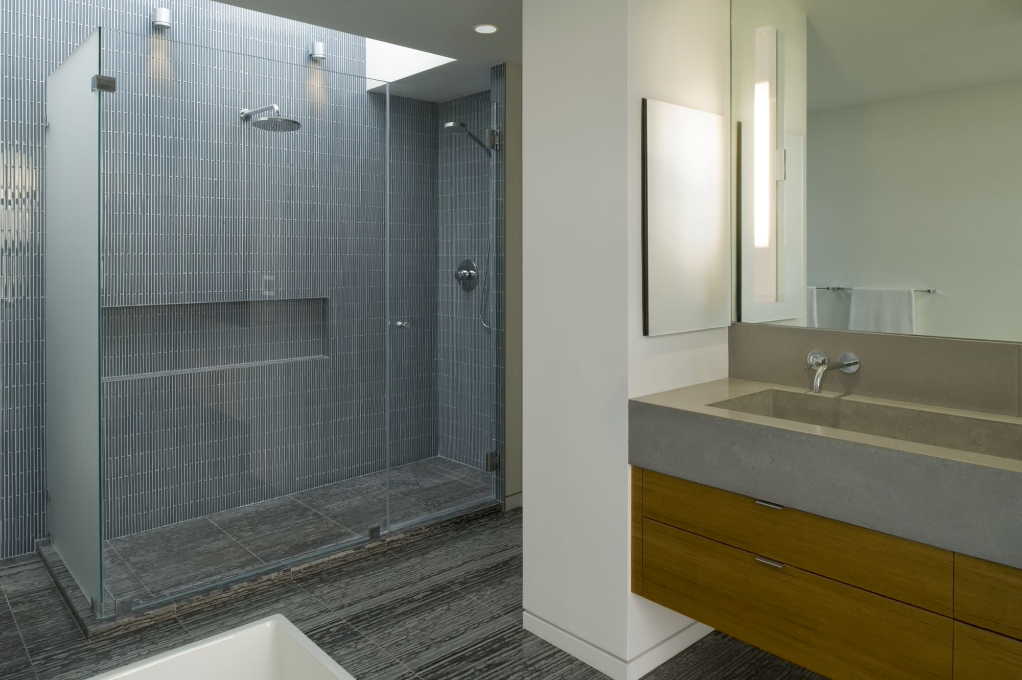 2X2 Modern Bathroom Ideas | Houzz 40+ 2X2 Bathroom Design Ideas
