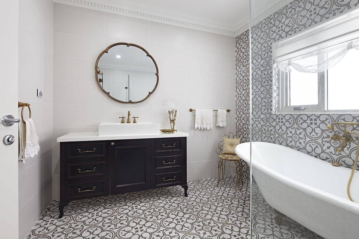35+ French Provincial Bathroom Ideas And Designs Provincial Bathroom Design