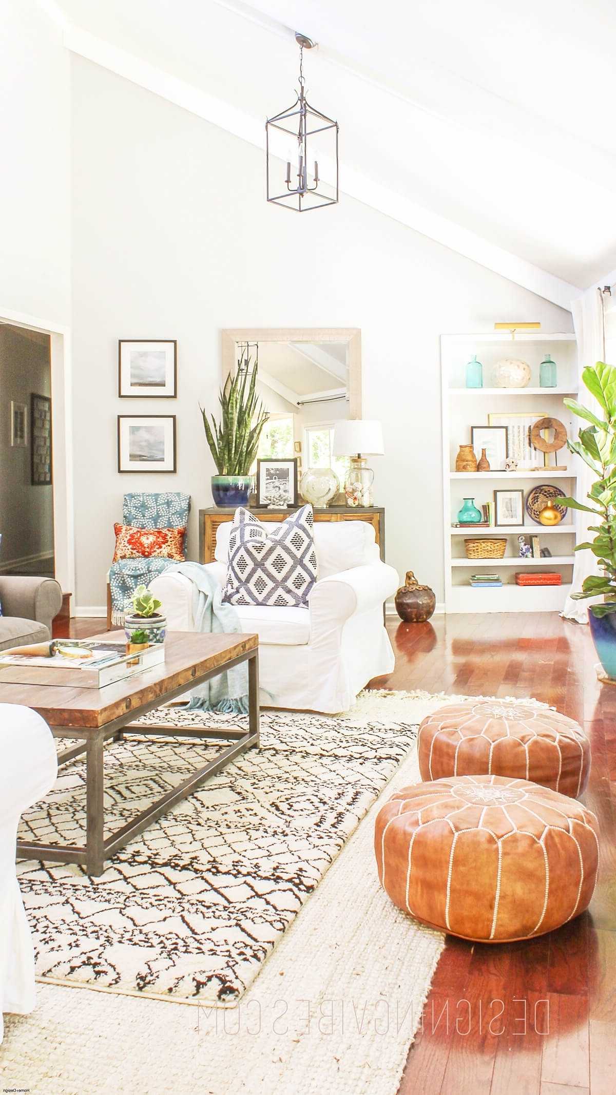 38 Best Tropical Style Decorating Ideas And Designs For 2021 Hawaiian Decor Living Room