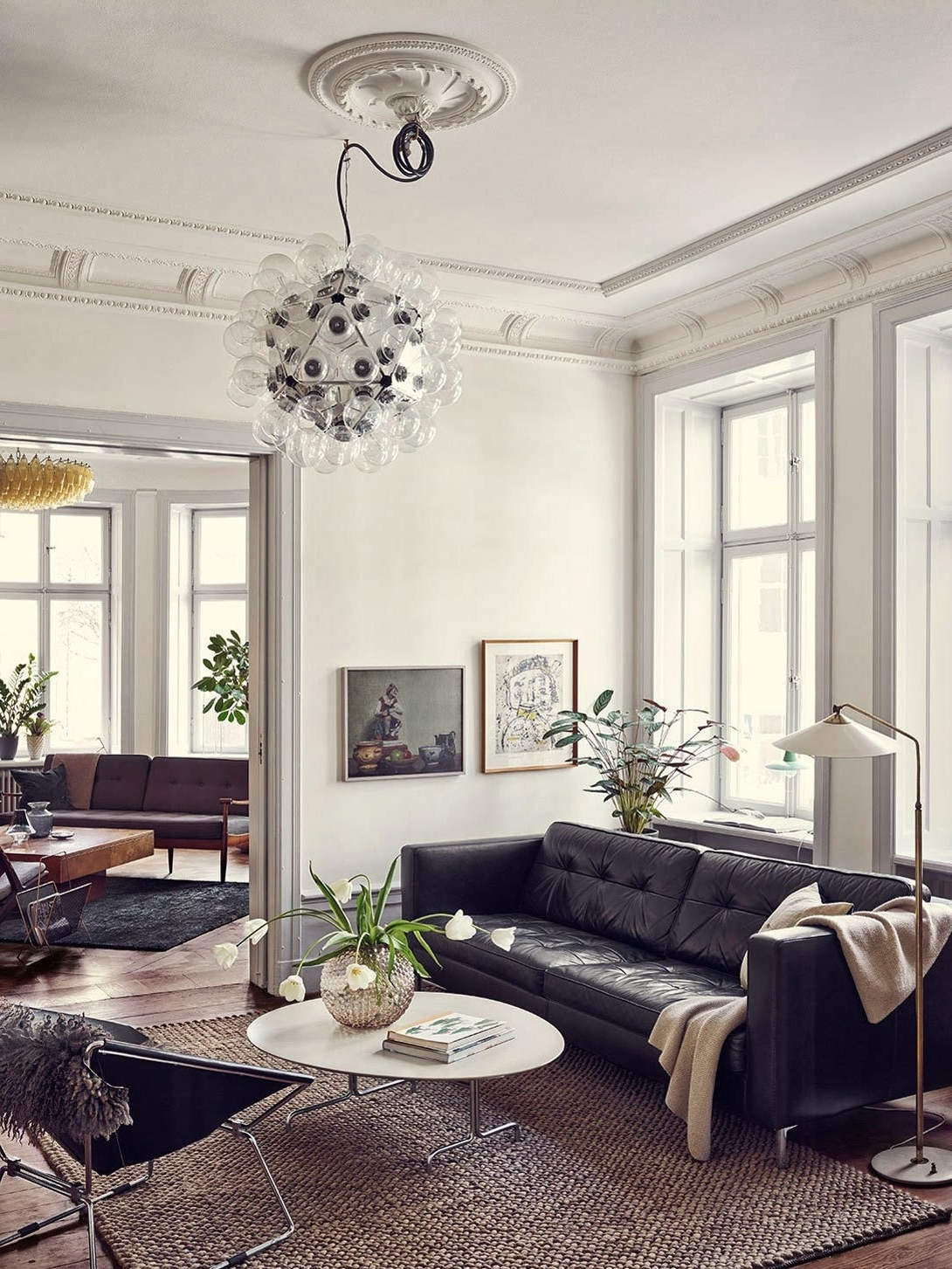 5 Amazing Black Leather Sofas For Your Luxury Living Room Living Room Decorating Black Leather Couch